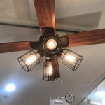 マンションの天井と照明の重さ